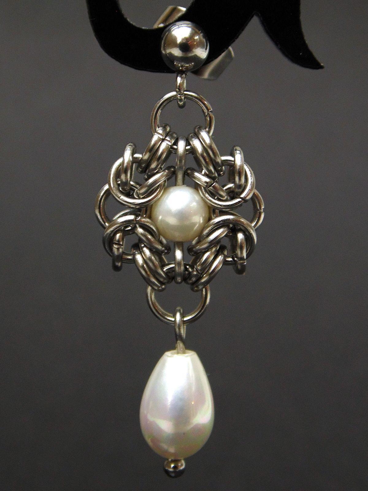 Kolczyki chainmaille Anastazja ze stali z perłami
