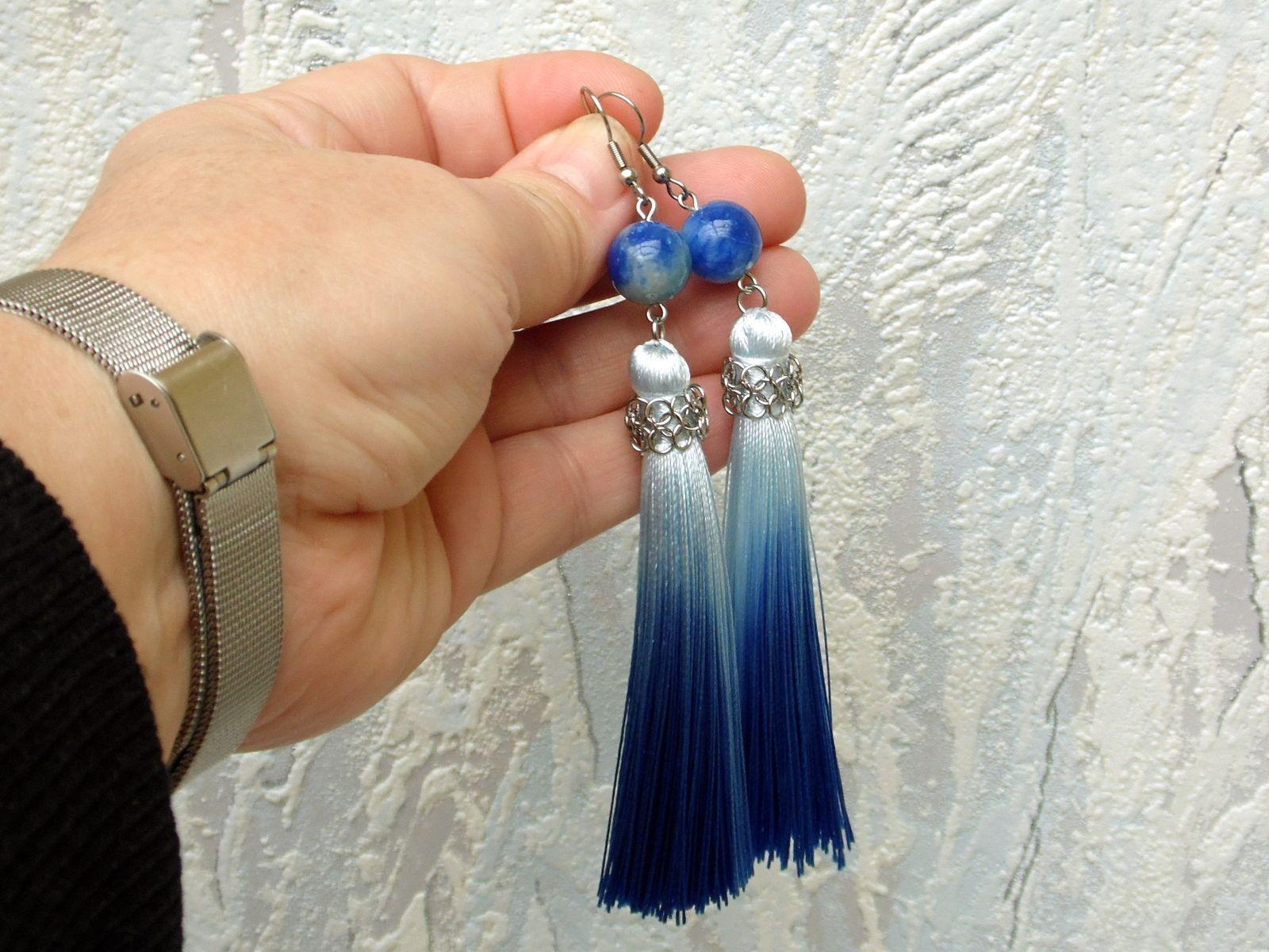 Niebieskie kolczyki chainmaille z chwostami