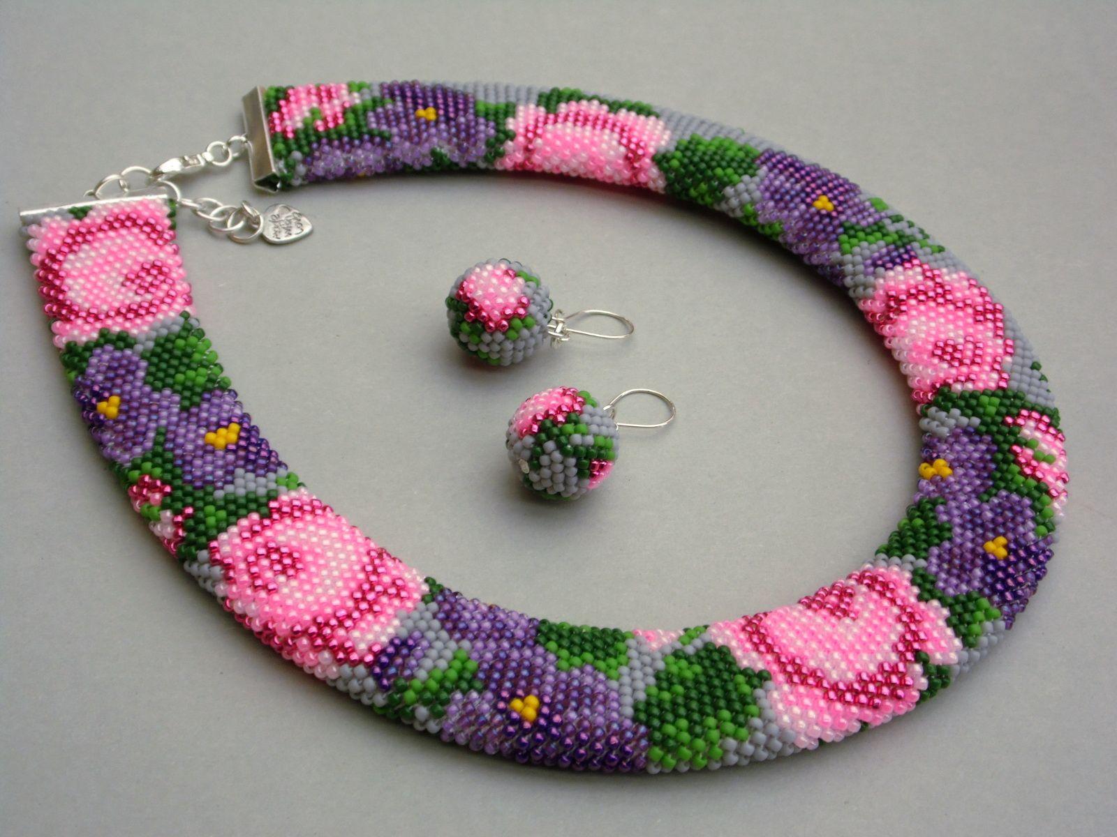 Naszyjnik i kolczyki bead crochet w kwiaty