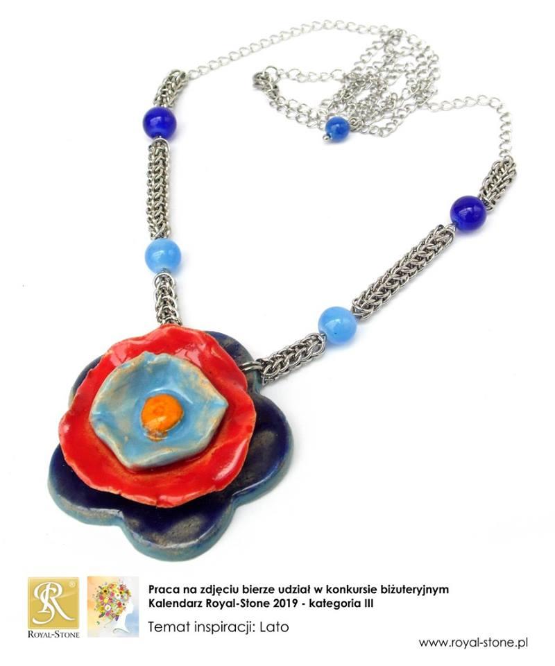naszyjnik chainmaille z ceramicznym kwiatkiem 3D