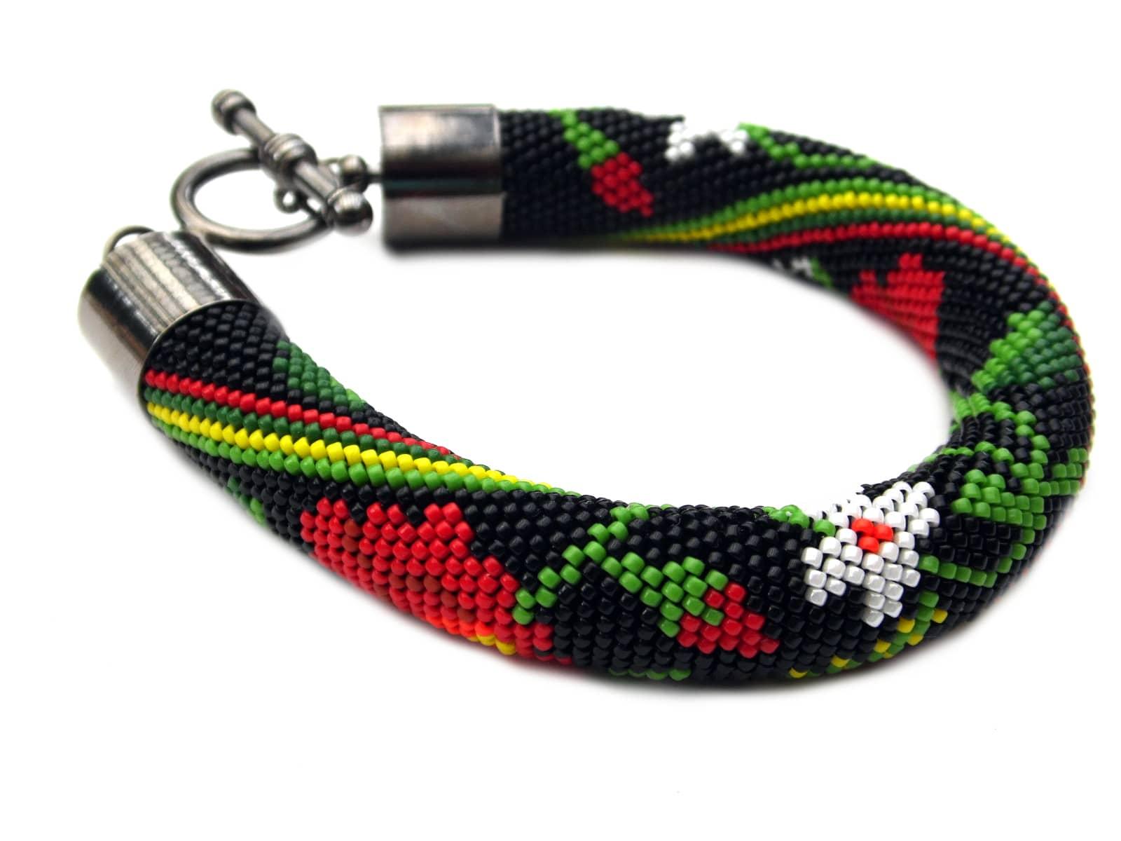 Bransoletka bead-crochet w łowickie kwiaty