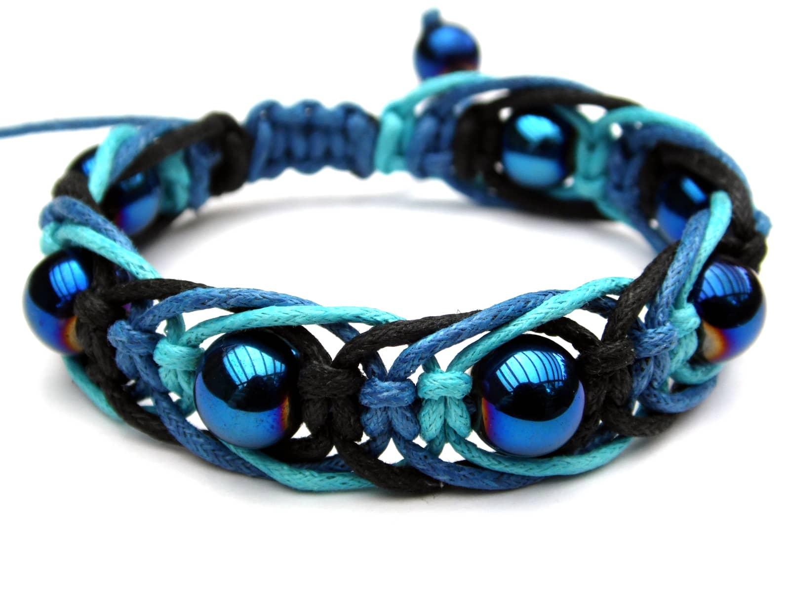 Niebieska bransoletka makramowa z hematytami