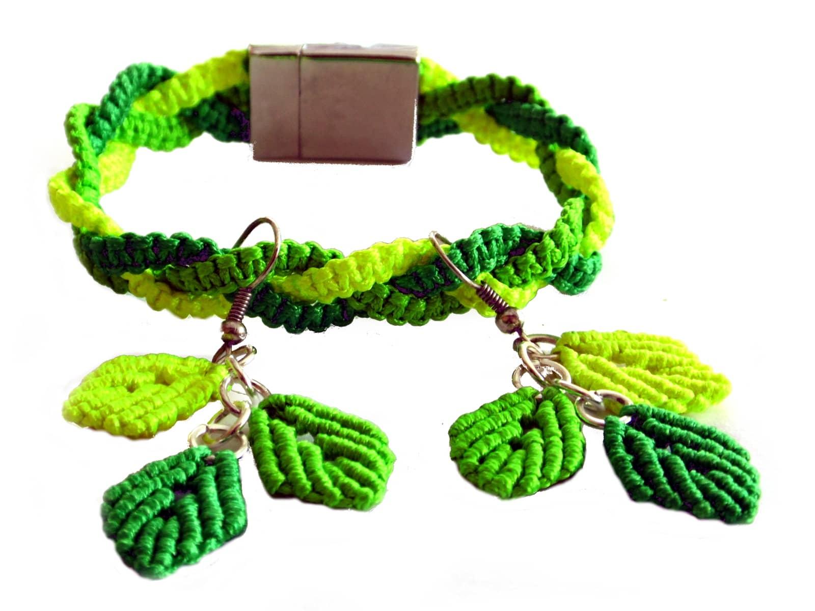 Bransoletka i kolczyki makramowe w neonowych zielonych kolorach