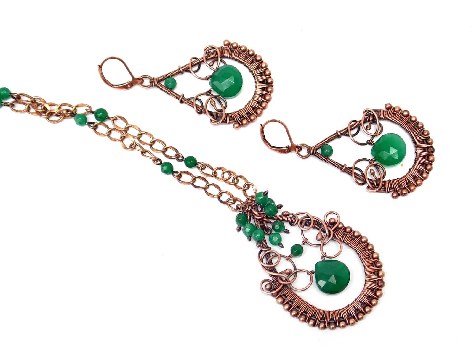 Komplet wire wrapping z miedzi z zielonymi onyksami