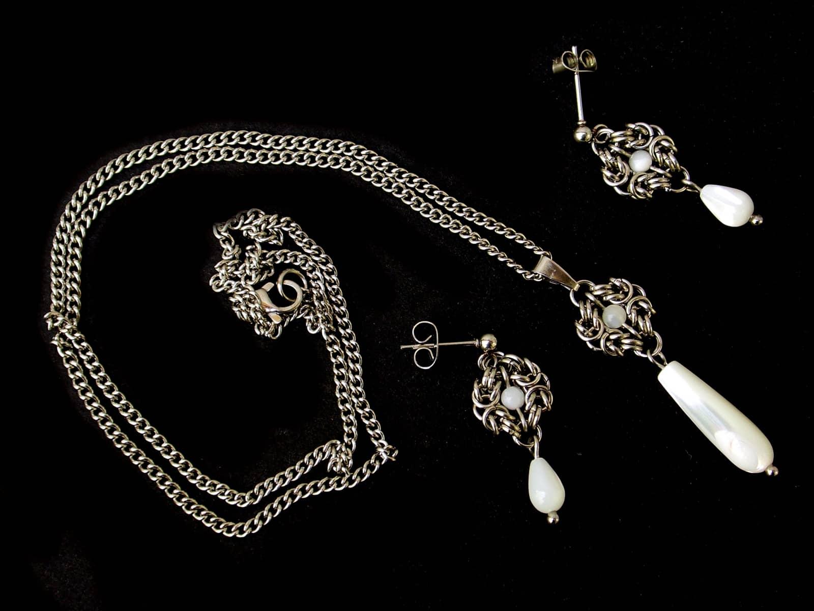 Komplet chainmaille Anastazja z macicą perłową