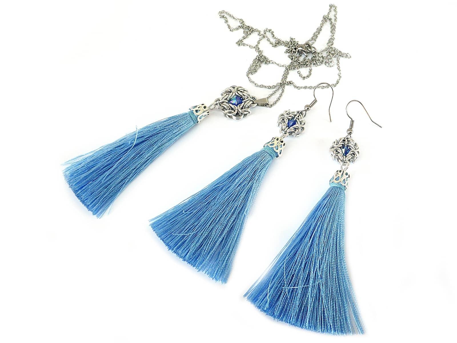Komplet chainmaille z niebieskimi kryształkami i chwostami