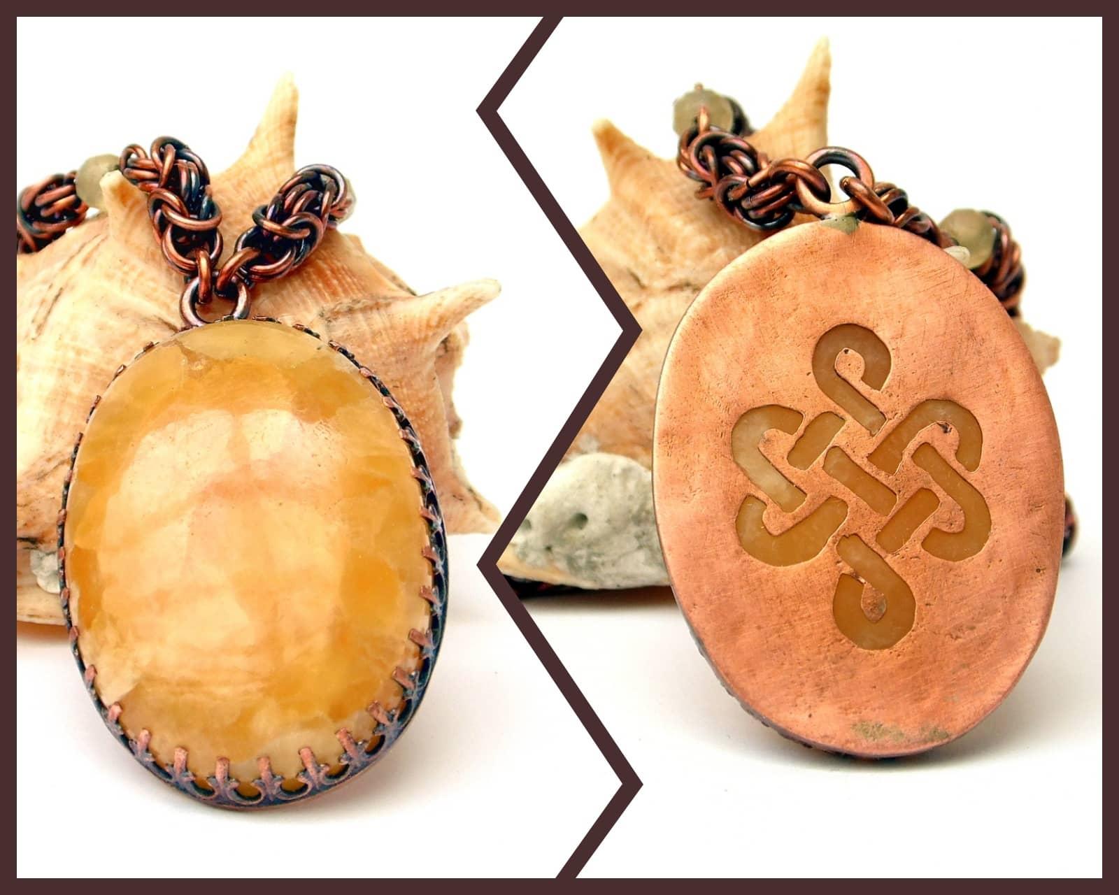 Naszyjnik miedziany chainmaille z tradycyjnie oprawionym kalcytem