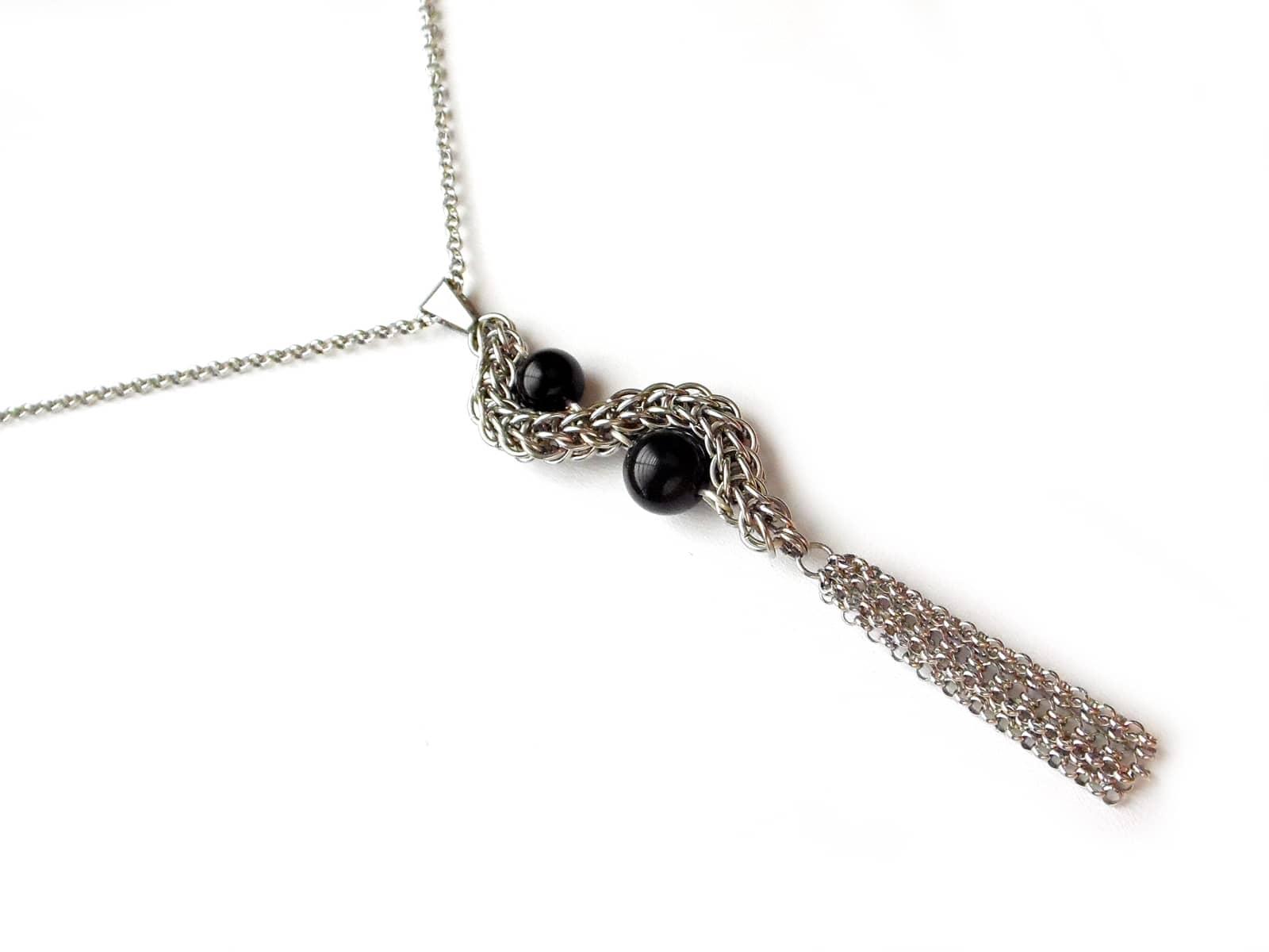 Naszyjnik chainmaille ze stali z black stone