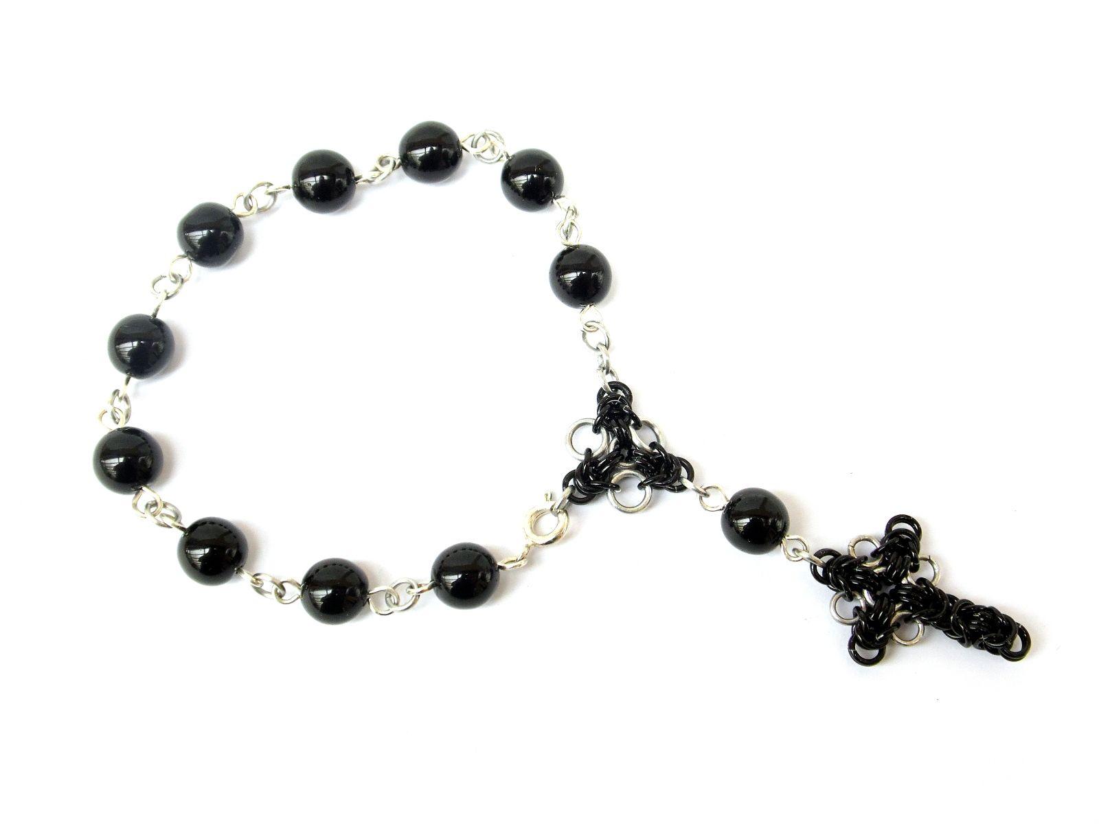 Dziesiątka różańca w formie bransoletki - z black stone z elementami chainmaille