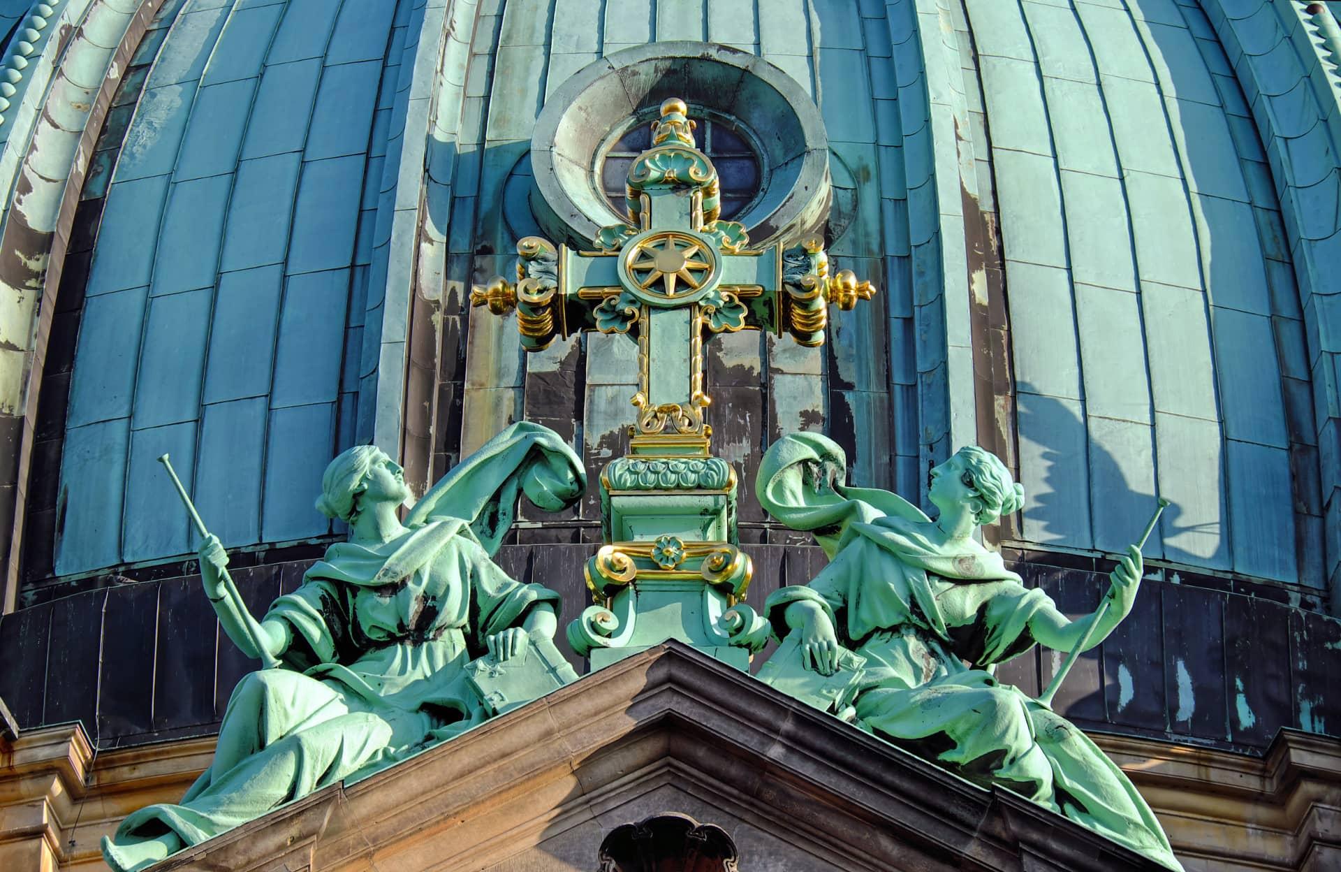 Miedziany dach katedry w Berlinie (pxhere)