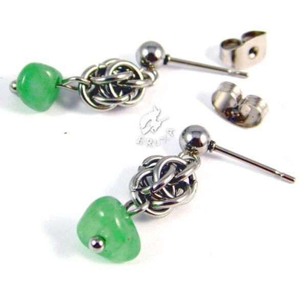 kolczyki chainmaille z kolekcji Sauvage z zielonym awenturynem