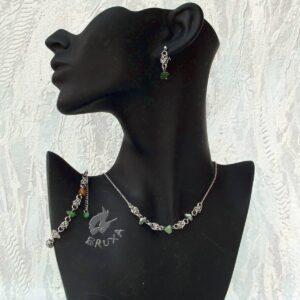 komplet biżuterii chainmaille z kolekcji Sauvage z agatem mszystym
