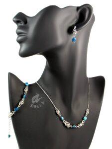 komplet biżuterii chainmaille z kolekcji Sauvage z apatytem