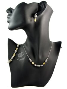 komplet biżuterii chainmaille z kolekcji Sauvage z cytrynem