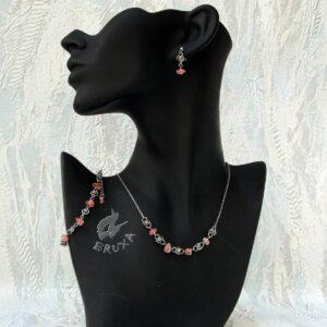 komplet biżuterii chainmaille z kolekcji Sauvage z kwarcem wiśniowym