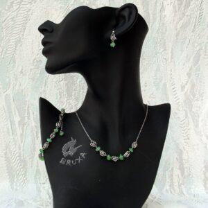 komplet biżuterii chainmaille z kolekcji Sauvage z zielonym awenturynem