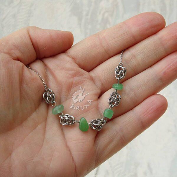 naszyjnik chainmaille z kolekcji Sauvage z zielonym awenturynem