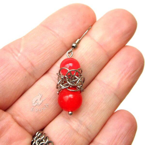 Kolczyki chainmaille Lukrecja z czerwonymi minerałami
