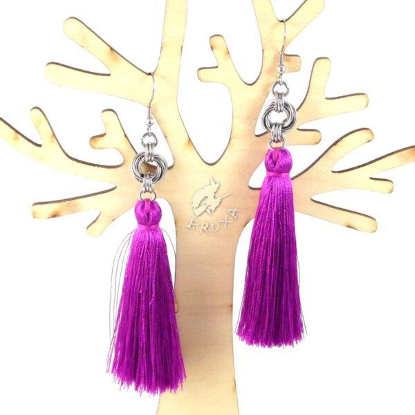 Kolczyki chainmaille z fioletowym chwostem