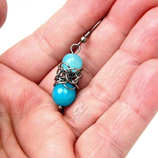 Kolczyki chainmaille Lukrecja z błękitnymi minerałami