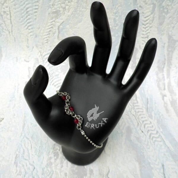 Bransoletka celebrytka chainmaille ze stali chirurgicznej z naturalnymi rubinami
