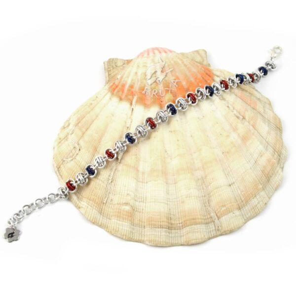 Bransoletka chainmaille w kolorach srebrno-czerwono-granatowych
