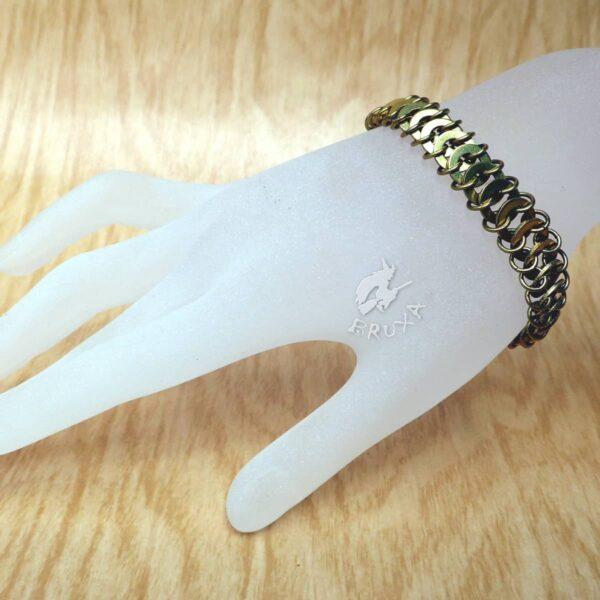 Industrialna bransoletka chainmaille z mosiężnych podkładek pod nity
