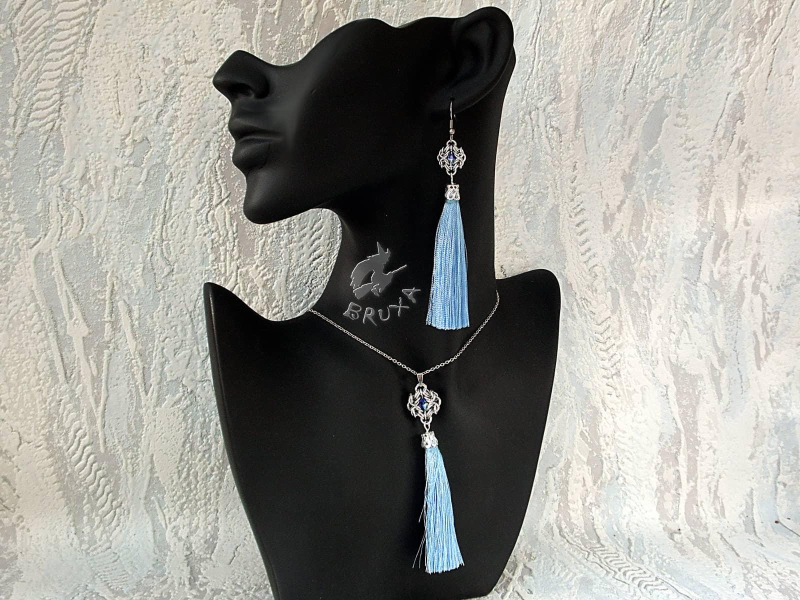 Komplet biżuterii chainmaille z długimi błękitnymi chwostami