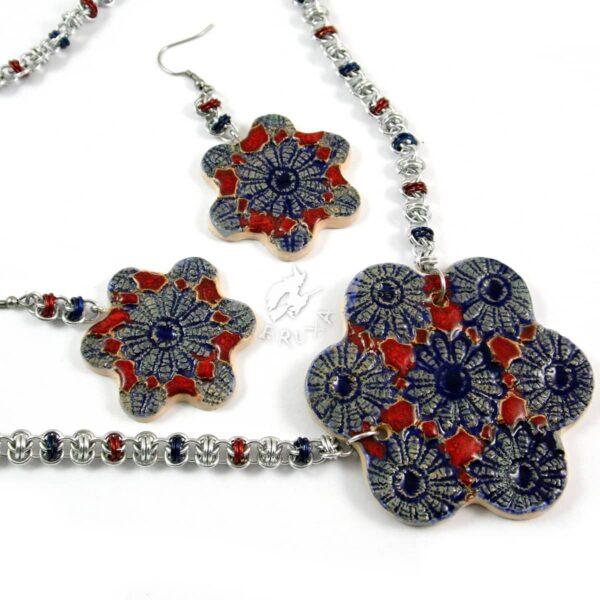 Komplet chainmaille z ceramicznymi kwiatkami