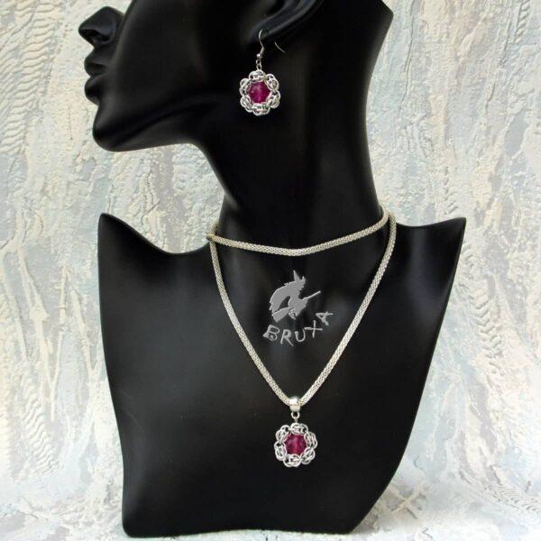 Komplet chainmaille w kształcie kwiatków z rubinowym jadeitem
