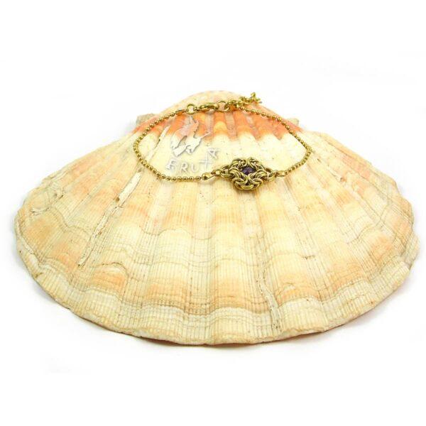 Elegancka bransoletka celebrytka z mosiądzu z ametystem