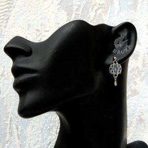 Eleganckie kolczyki ze stali chirurgicznej z błękitnymi agatami i stalowymi kropelkami
