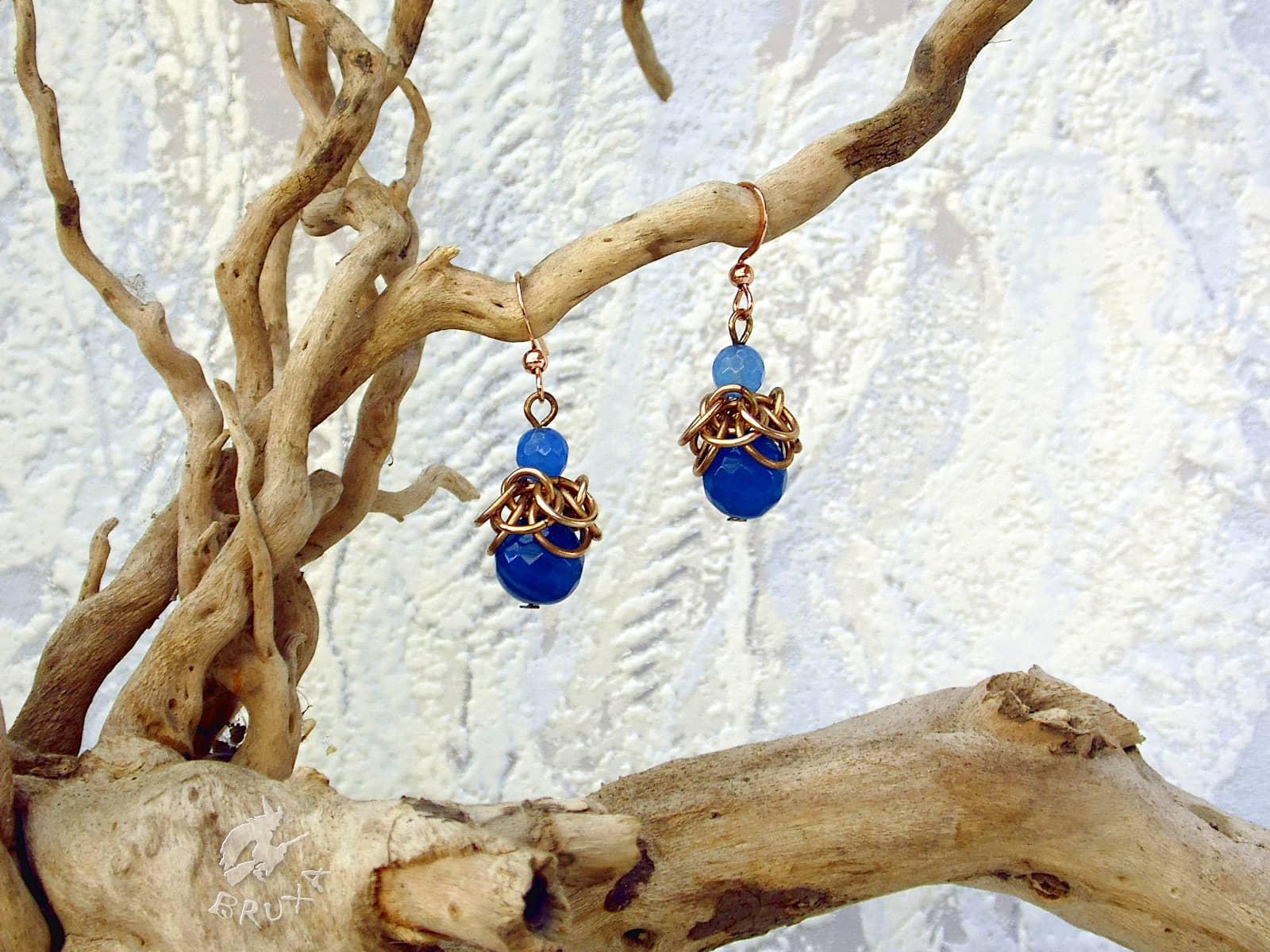 Kolczyki Gloria z brązu z niebieskimi agatami