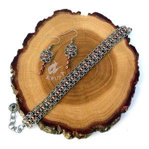 komplet biżuterii chainmaille z miedzianymi koralikami